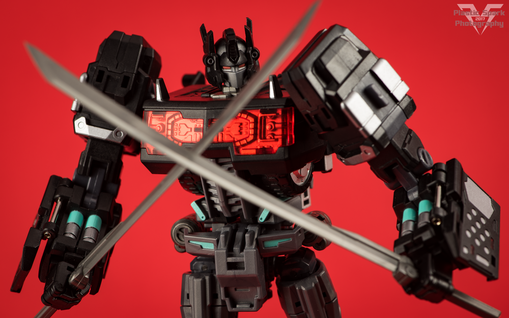 Maketoys-MTCD-01SP-Striker-Noir-(34-of-36).png