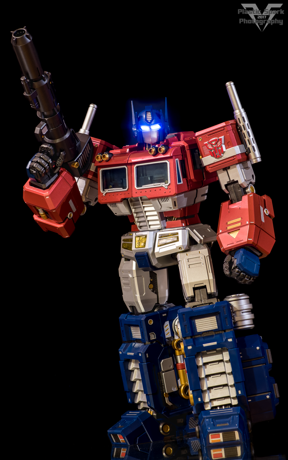 MAS-Mega-Action-Optimus-Prime-(2-of-21).png