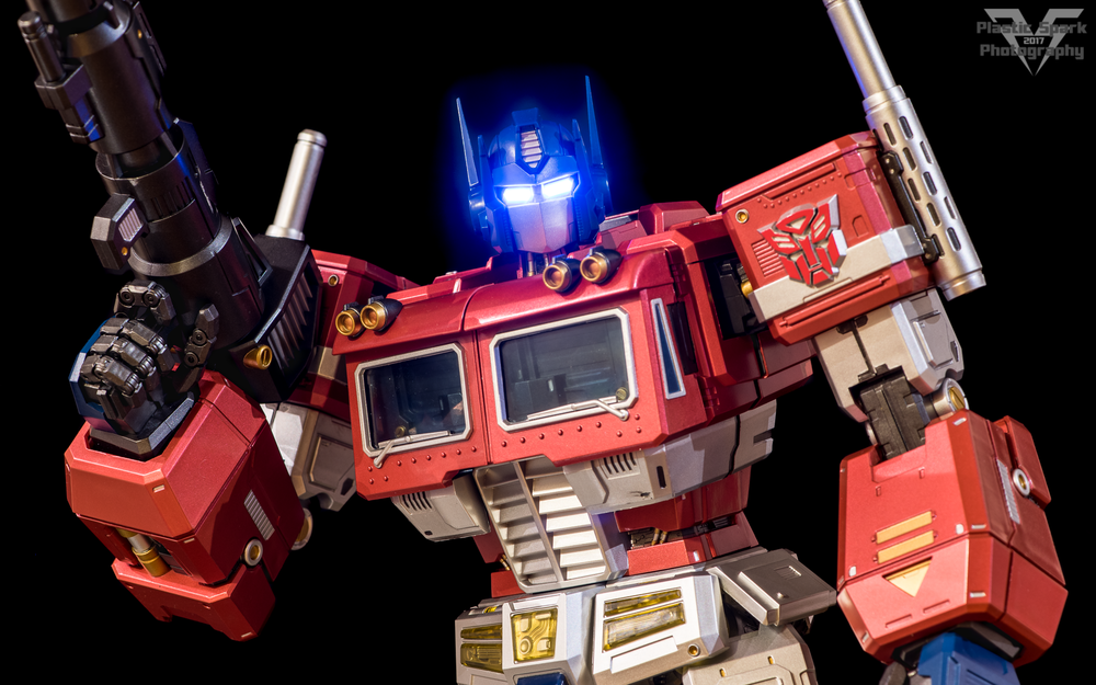 MAS-Mega-Action-Optimus-Prime-(1-of-21).png
