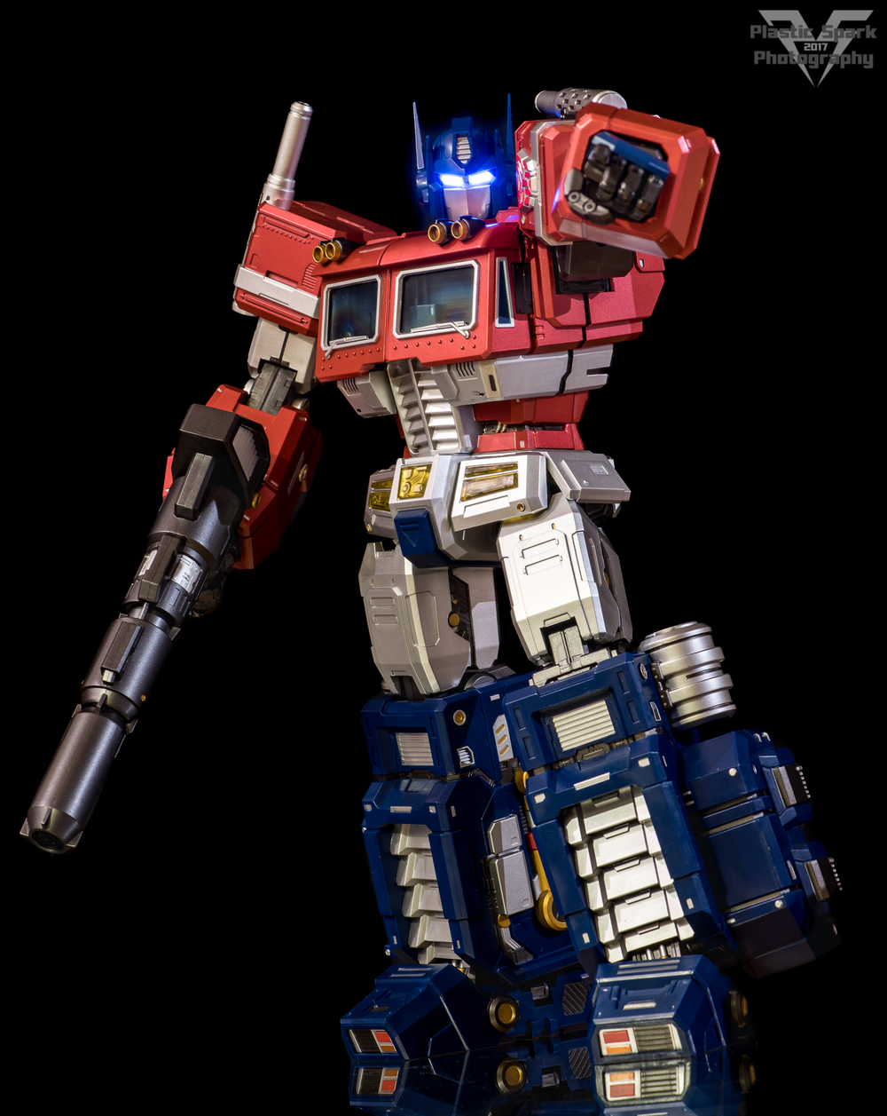 MAS-Mega-Action-Optimus-Prime-(3-of-21).png