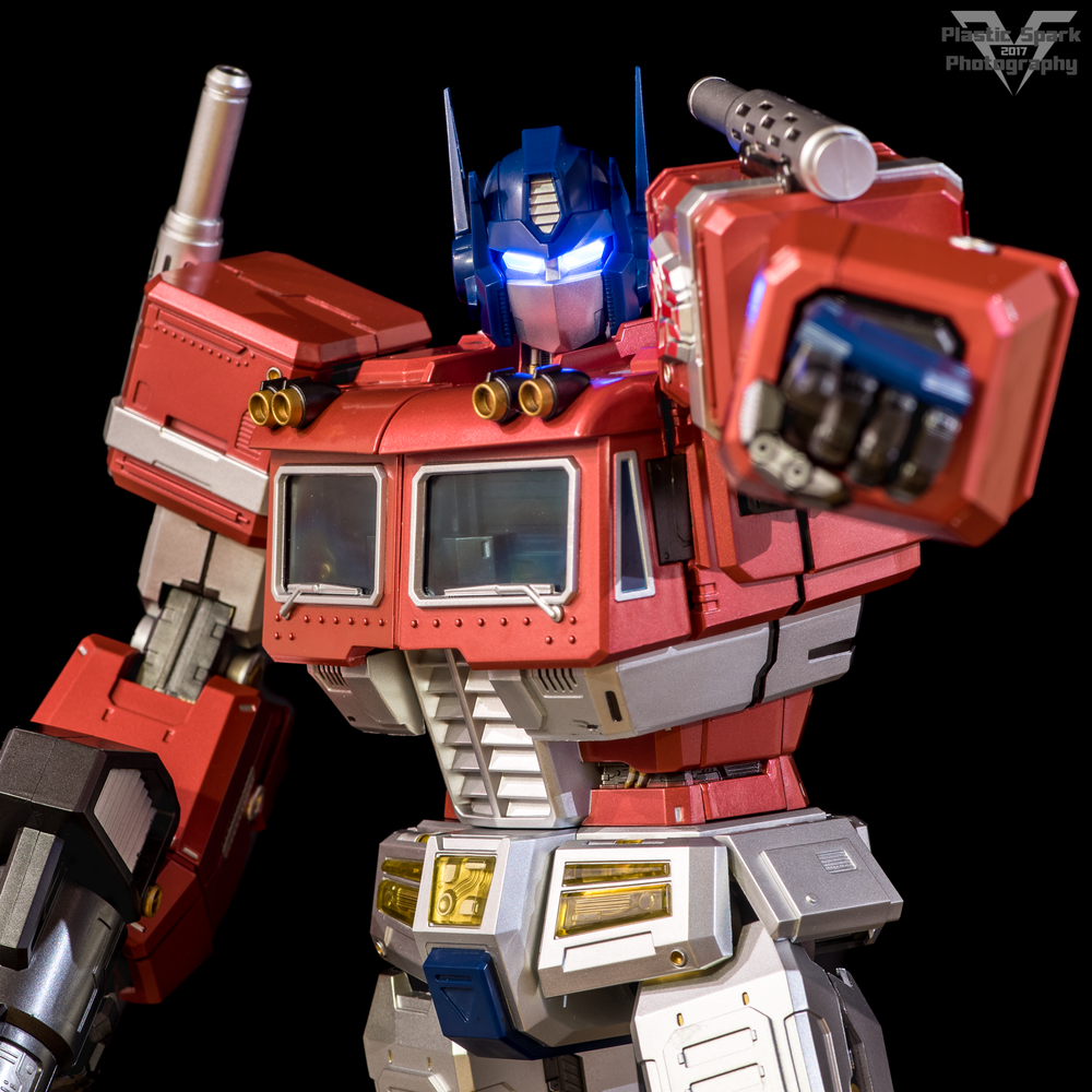 MAS-Mega-Action-Optimus-Prime-(4-of-21).png