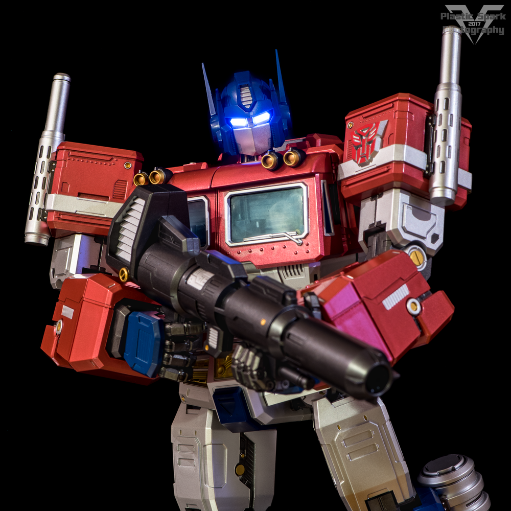 MAS-Mega-Action-Optimus-Prime-(18-of-21).png