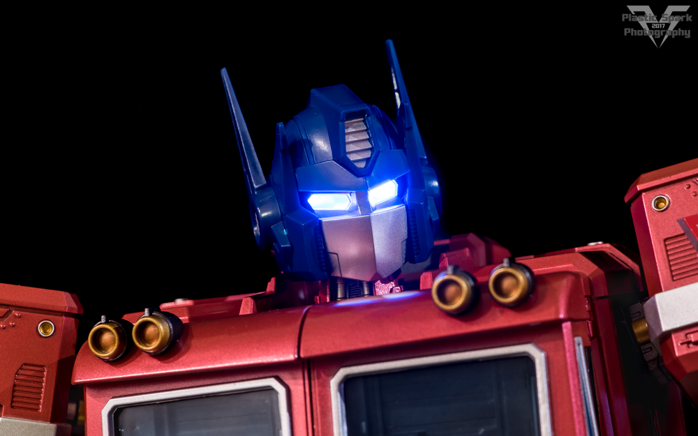 MAS-Mega-Action-Optimus-Prime-(19-of-21).png