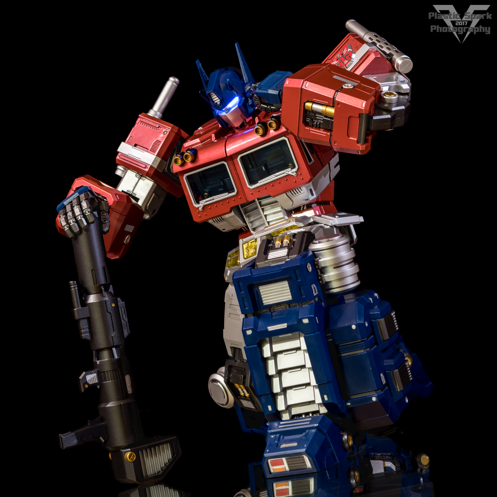 MAS-Mega-Action-Optimus-Prime-(21-of-21).png