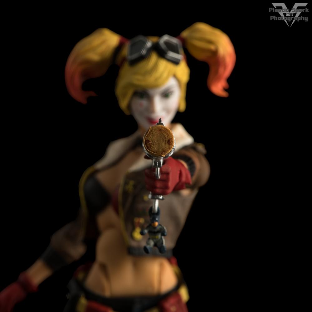 Bombshell-Harley-Quinn-(6-of-12).png