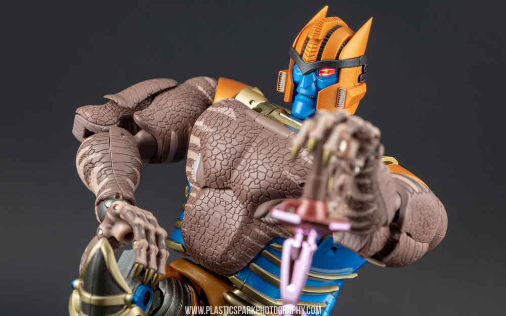 Masterpiece MP-41 Dinobot (46 of 88).jpg