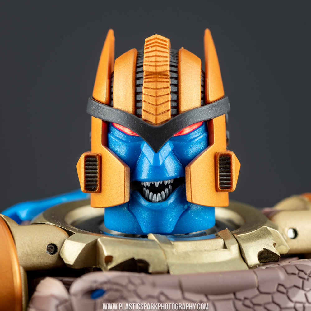 Masterpiece MP-41 Dinobot (32 of 88).jpg