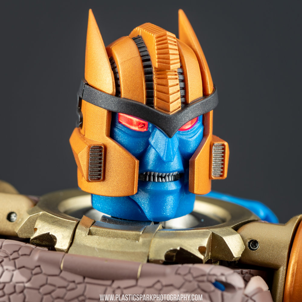 Masterpiece MP-41 Dinobot (31 of 88).jpg