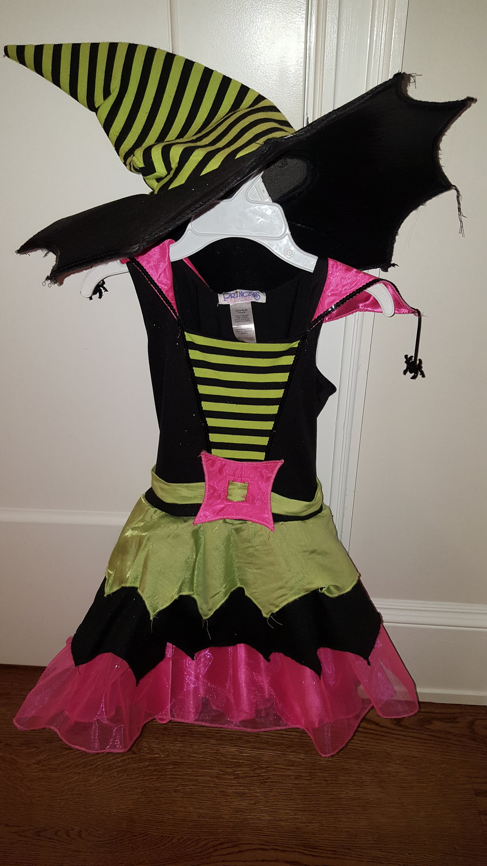 Little Witch Costume 7 yo $ 15