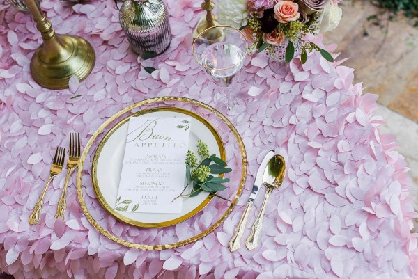 Peony-and-Rose-Wedding-Inspiration-at-The-Garden-Chateau-1-of-22-600x401