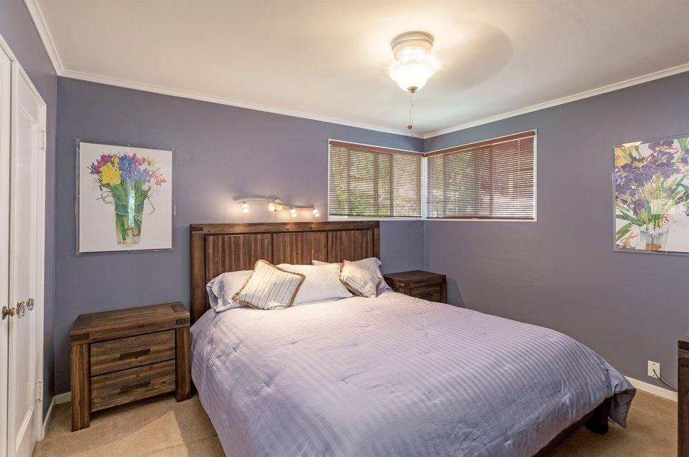 004_Bedroom (1).jpg