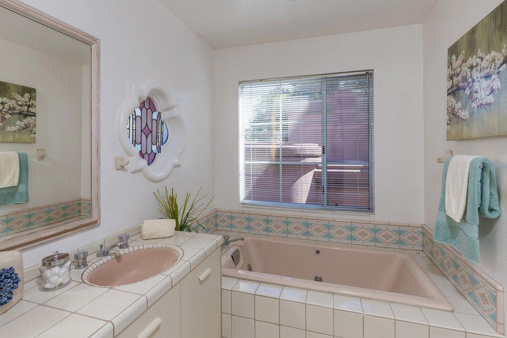 015_Master Bath (2).jpg