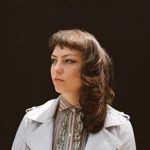 ANGEL OLSEN Album: My WOman Track : Woman