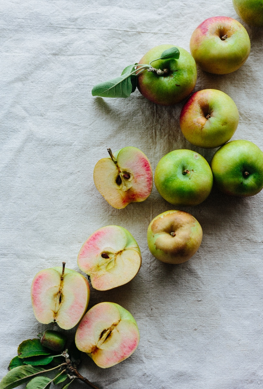 Pink pearl apple tart Vy Tran (6 of 16) (865x1280).jpg