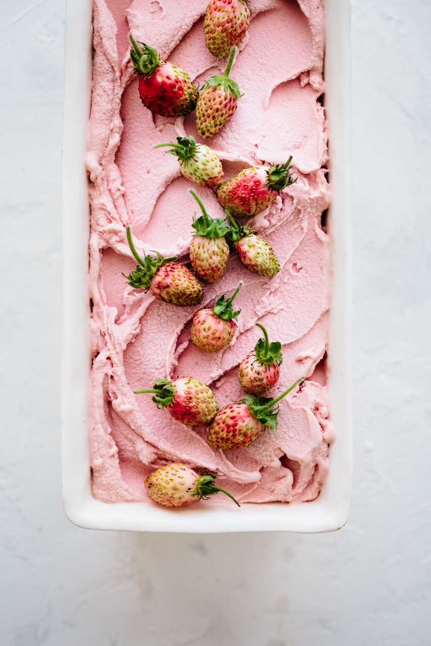 Balsamic strawberry ice cream Vy Tran (7 of 12) (853x1280).jpg