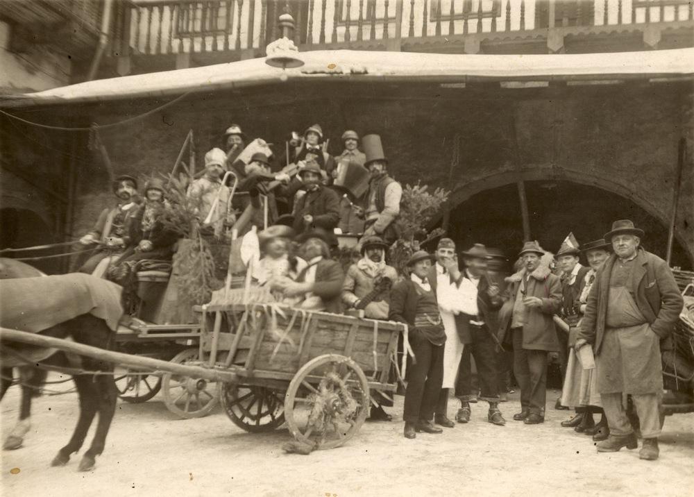 Maschggra im Ansitz Anderlan Liebenstein 1923 Carnevale nella Residenza Anderlan Liebenstein 1923