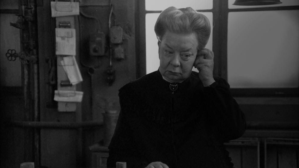 Maarud Potetgull - The Old Farm Lady