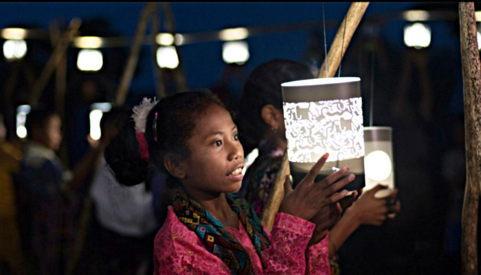 a-lantern-zoo-in-indonesia-to-cut-out-the-darkness.jpg
