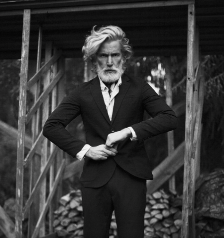 Aiden Shaw, Google image   (Location observed: Dallas restaurant)