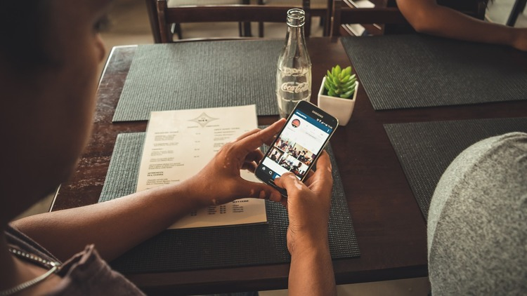 15 Instagram Accounts That Are Killing it at B2B Content | Social Media Today