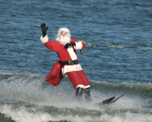 Santa waterskiing in Argentina?? Thanks to: http://dc.about.com/od/christmasevents/ss/WaterskiSanta.htm