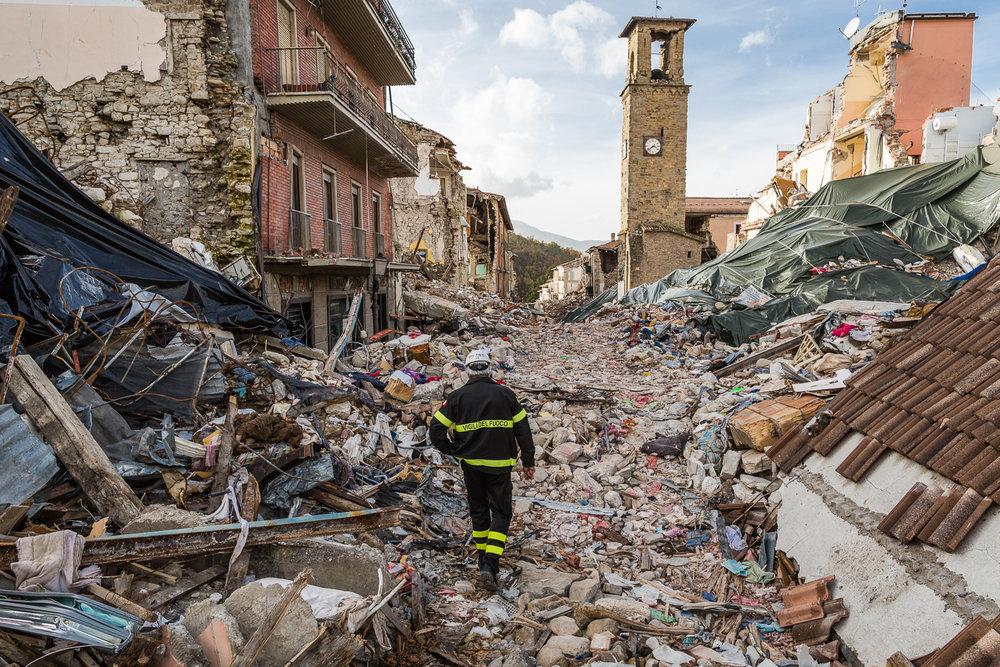 Rika Vanhove, De Morgen Magazine, Spaghetti for Amatrice, Amatrice, Earthquake, Fireman.jpg