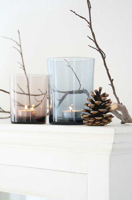 minimalist winter display (found on Flickr)