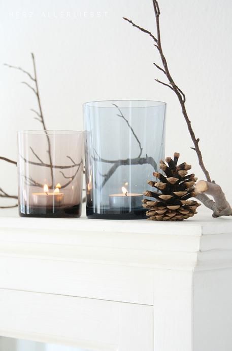 minimalist winter display (found on Flickr)