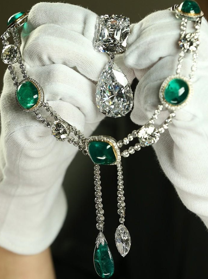 dmckesq-delhi-darbur-emerald-necklace-cambridge-jewels.jpg