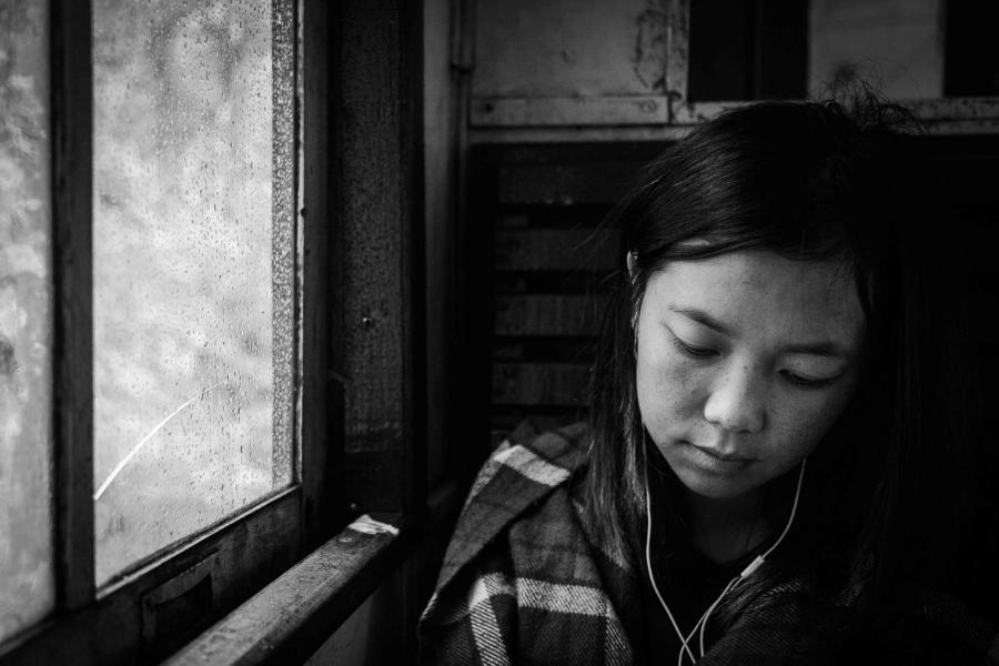 Young girl in a train in Sri Lanka