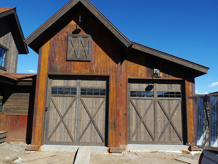 Garage Doors - Garage door sales, customization, installation & maintenance for residential & commercial buildings