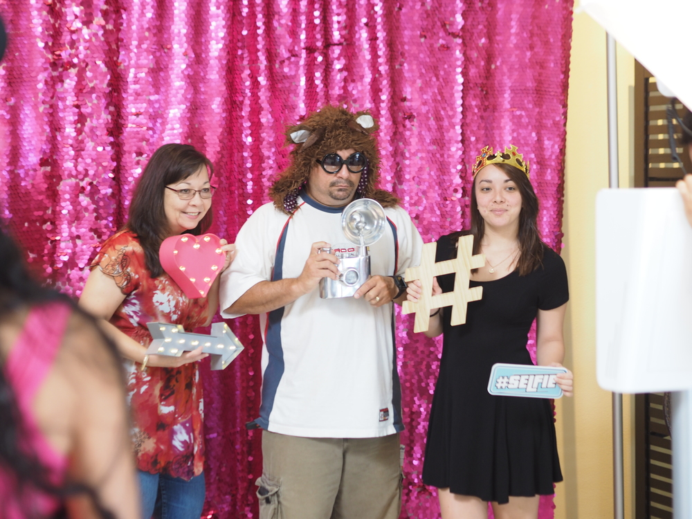 oahu hawaii photo booth rental for wedding graduation 1st birthdays party rentals corporate company events gala djs sound lighting flourist planner conventions prom