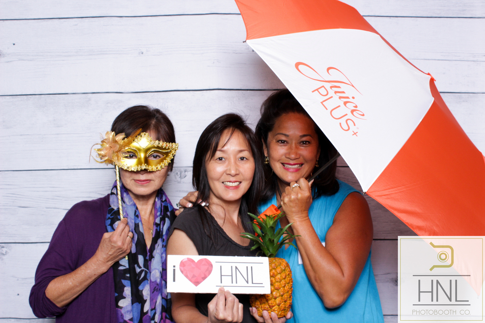 Hawaii honolulu aiea kapolei ewa kaneohe kailua photo booth rentals photography party event corporate wedding graduation birthday kakaako waikiki