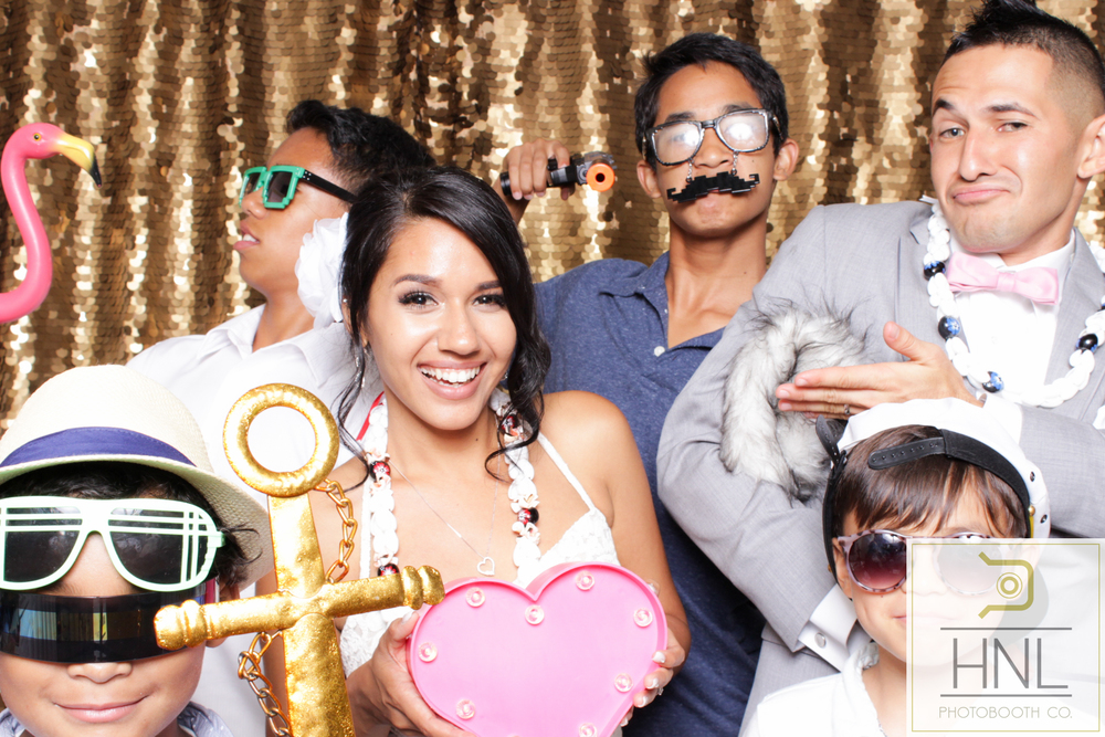 best Photo booth in oahu hawaii for weddings birthday graduation dj party rental aiea honolulu waipahu mililani company events occassions holidays kakaako photography vendor