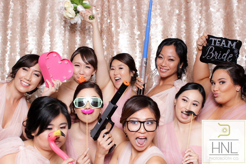 wedding party photo booth photography in waialua haleiwa north shore honolulu hawaii parties party kaimuki kalakaua avenue planning