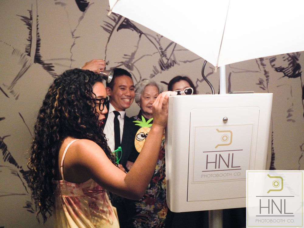 Allie + Joel Wedding Photo Booths The Modern Honolulu Oahu Hawaii -9170012.jpg