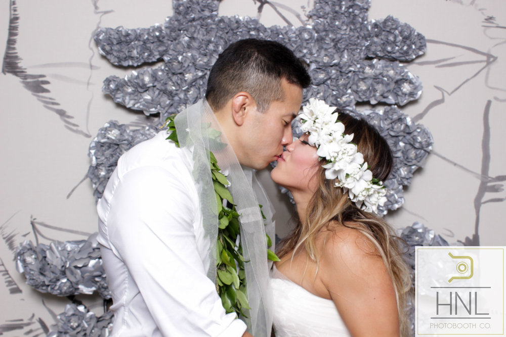 Amanda + Eric Wedding Photo Booth The Modern Honolulu Oahu Hawaii W-141.jpg