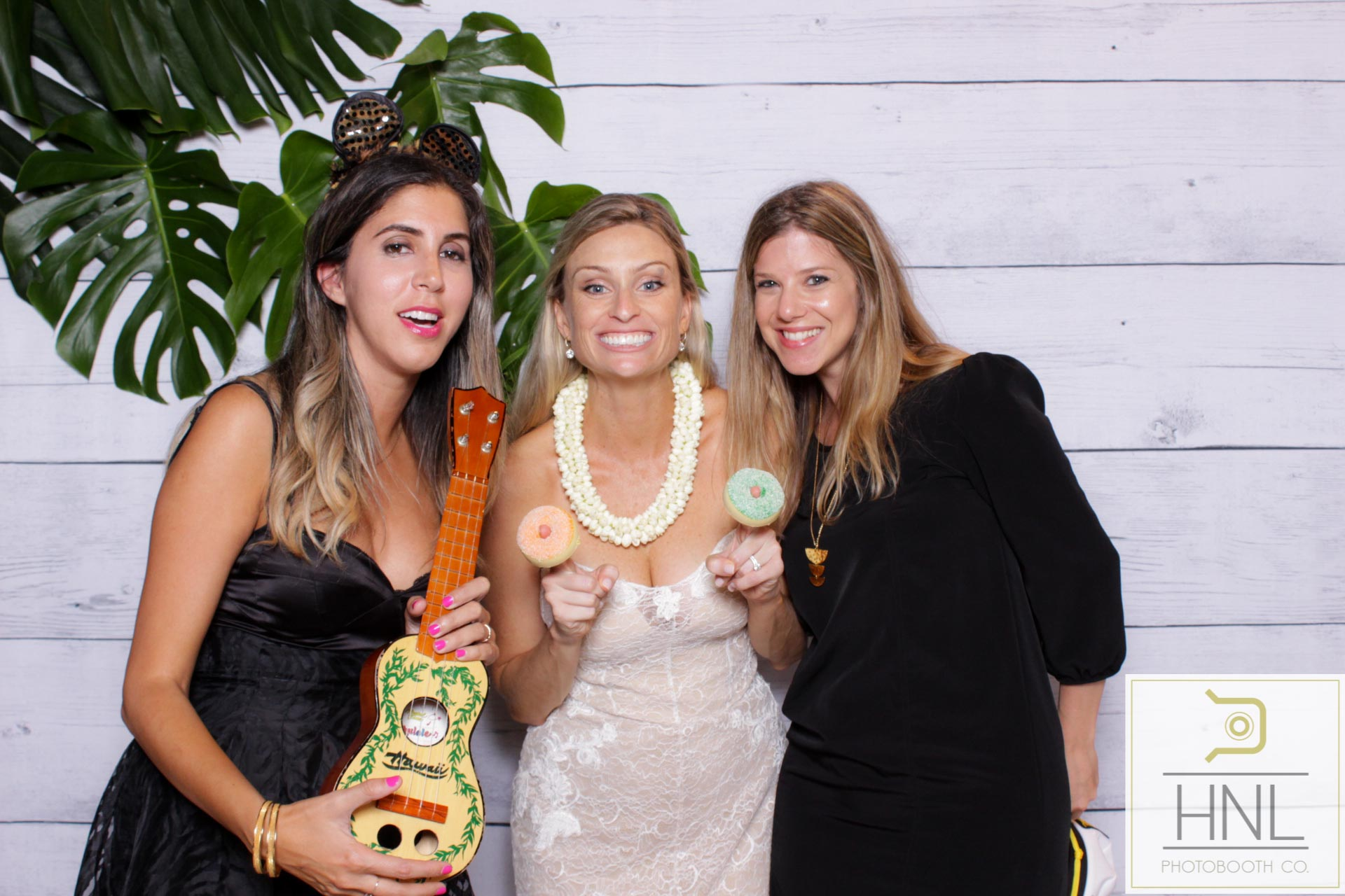 modern photo booth rentals for oahu hawaii honolulu