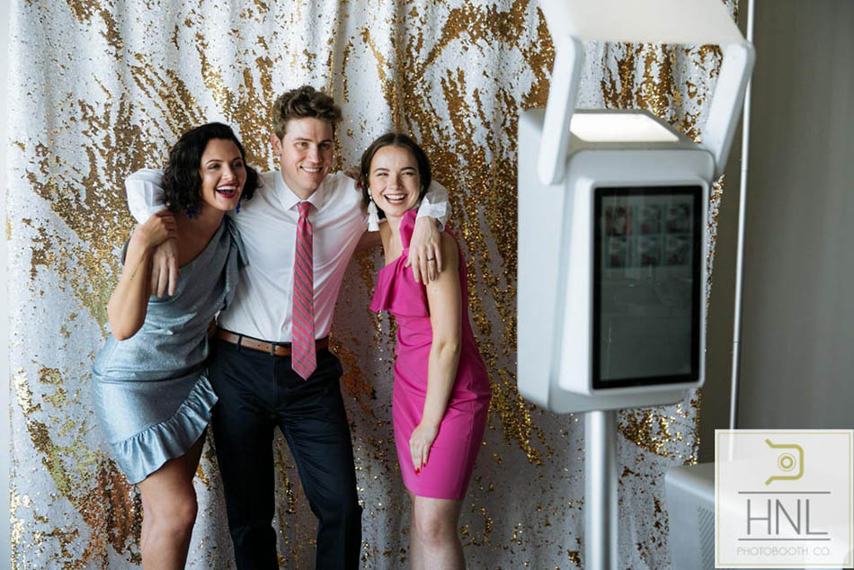 wedding and party photobooth services in honolulu hawaii (4).jpg
