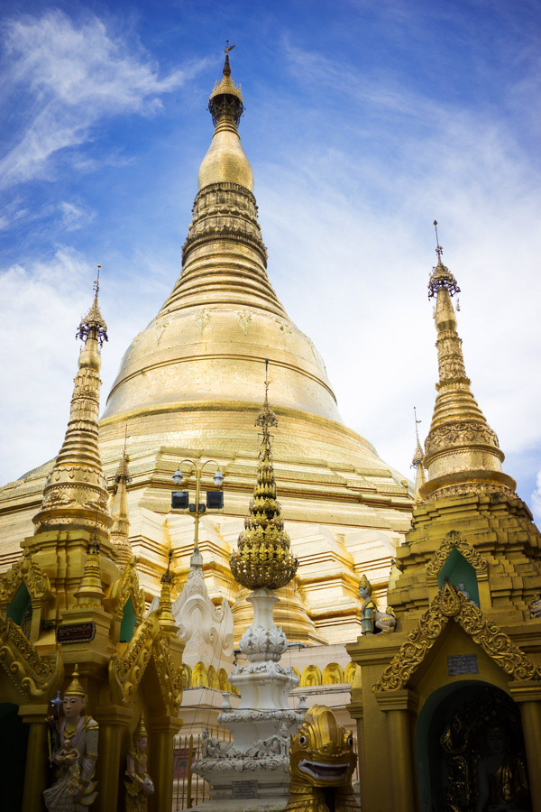 The main golden stupa of Shwedagon Pagoda.