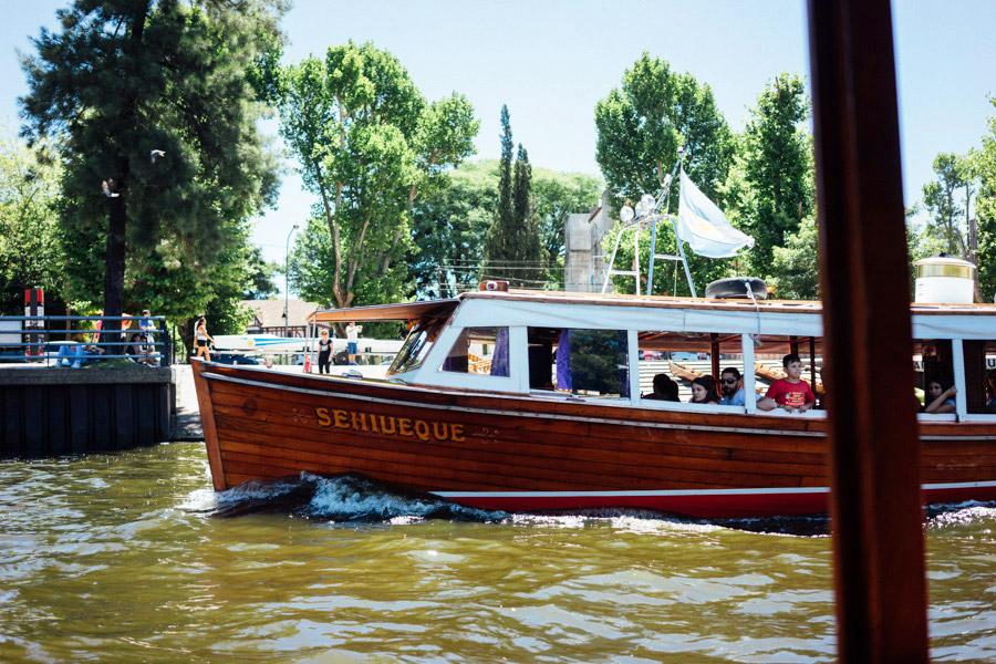 A water taxi in Tigre.