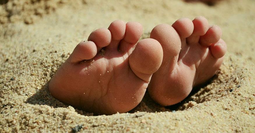 Indian Foot Worship Story - Erotic Girls-2519