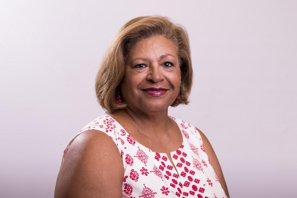 Phyllis Nichols Headshot.jpg