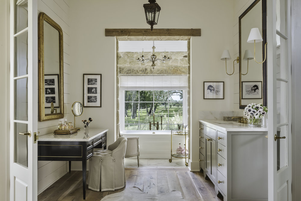 Master bathroom 97.jpg