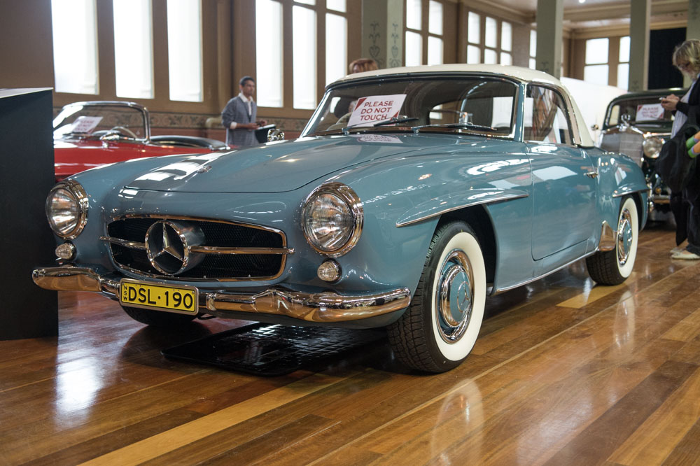1959 Mercedes-Benz 190SL in a perfect colour scheme.