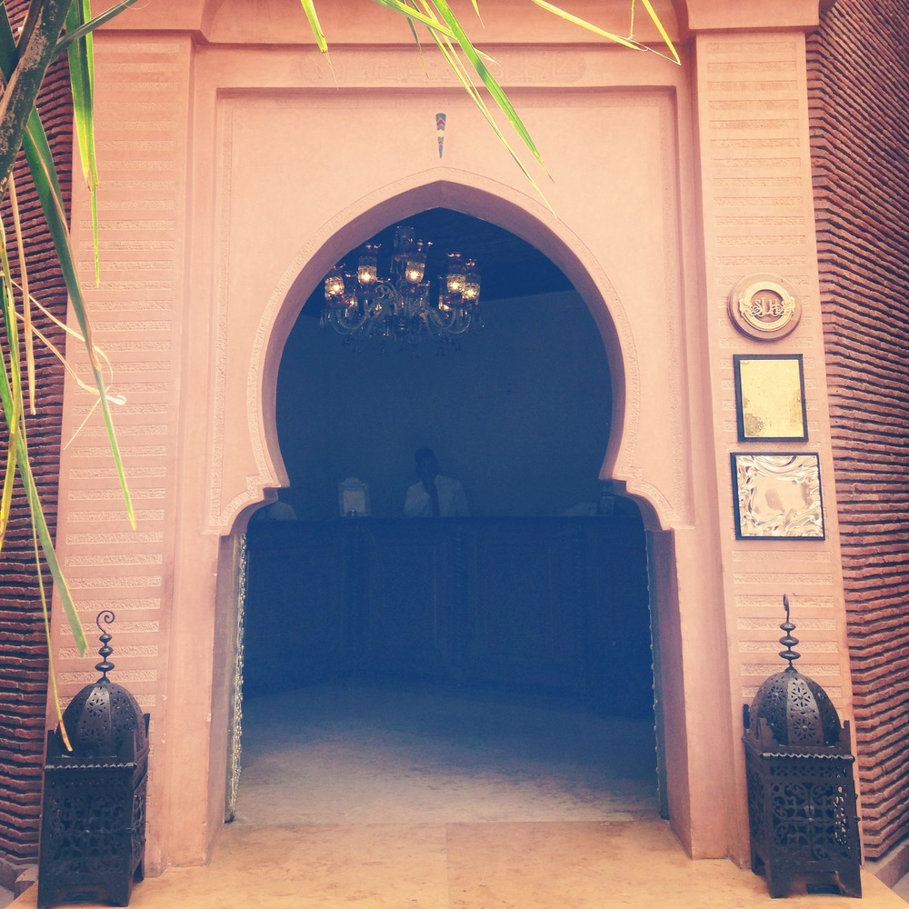Bidding farewell to La Sultana :: Photo Credit: comusetravels.com