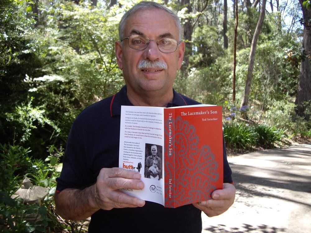 Avtor z biografijo.
