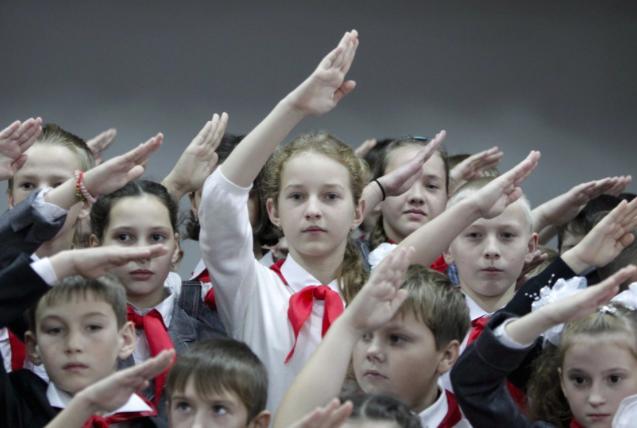 Obstajajo bolj in manj cenjena otroška življenja. Foto: Reuters