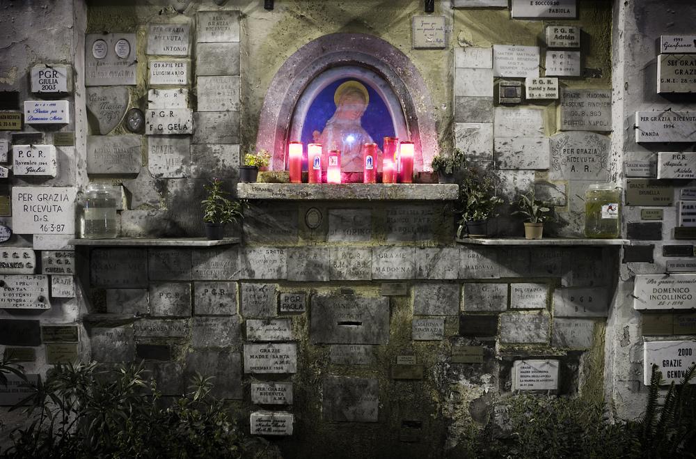 A_street_altar_to_Virgin_Mary,_Trastevere._Rome_-_3231.jpg