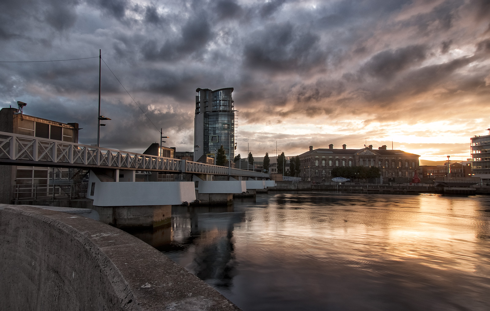 Lagan Weir, Belfast by Geoff McGrath